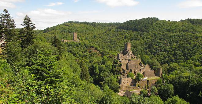 Auch hier kommen wir wieder vorbei: Die Manderscheider Burgen
