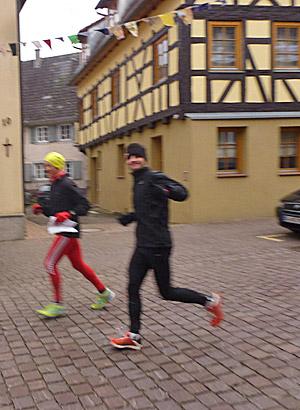 Wolle und Tobi in der historischen Altstadt von Ettenheim