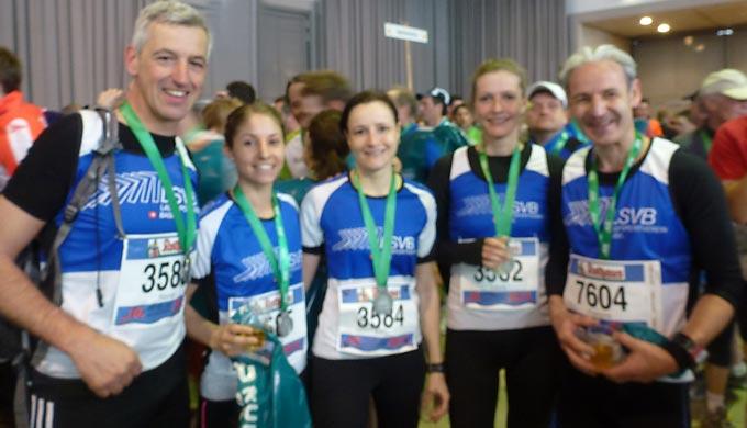 Glückliche LSVBler im Zielbereich (leider etwas unscharfes Bild): Loki Rainer, Evelyne, Katja, Laura, François