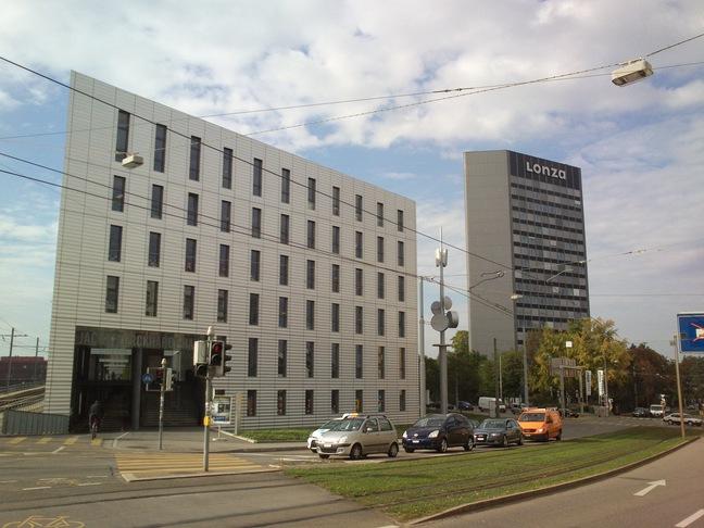 Moderne Architektur: Jacob Burckhardt Haus und Lonza Hochhaus
