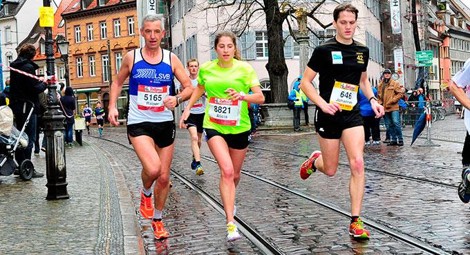 Alicia, in Gelb weil noch neu beim LSVB, wurde bei fast 2000 Läuferinnen hervorragende 6.